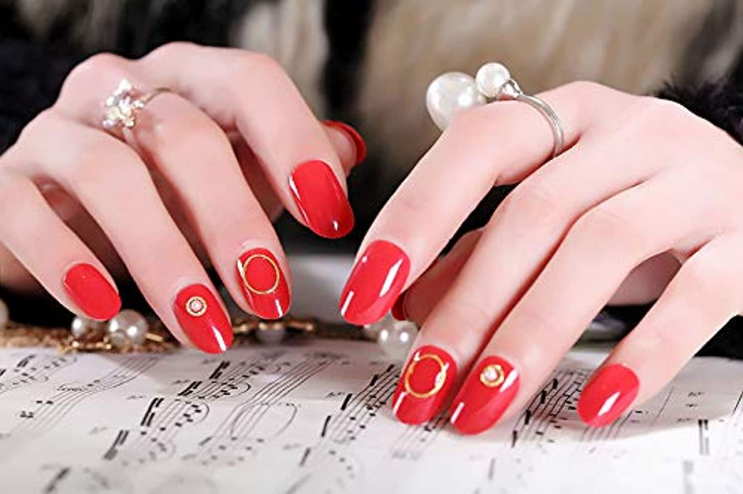 惑星引く流行している24枚入 手作りネイルチップ ネイル花嫁 ゴールデンビーズ 円の装飾 かわいいとエレガント 花嫁の爪のチップ (レッド)