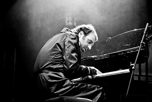 [画像:黙ってピアノを弾いてくれ [Blu-ray]]
