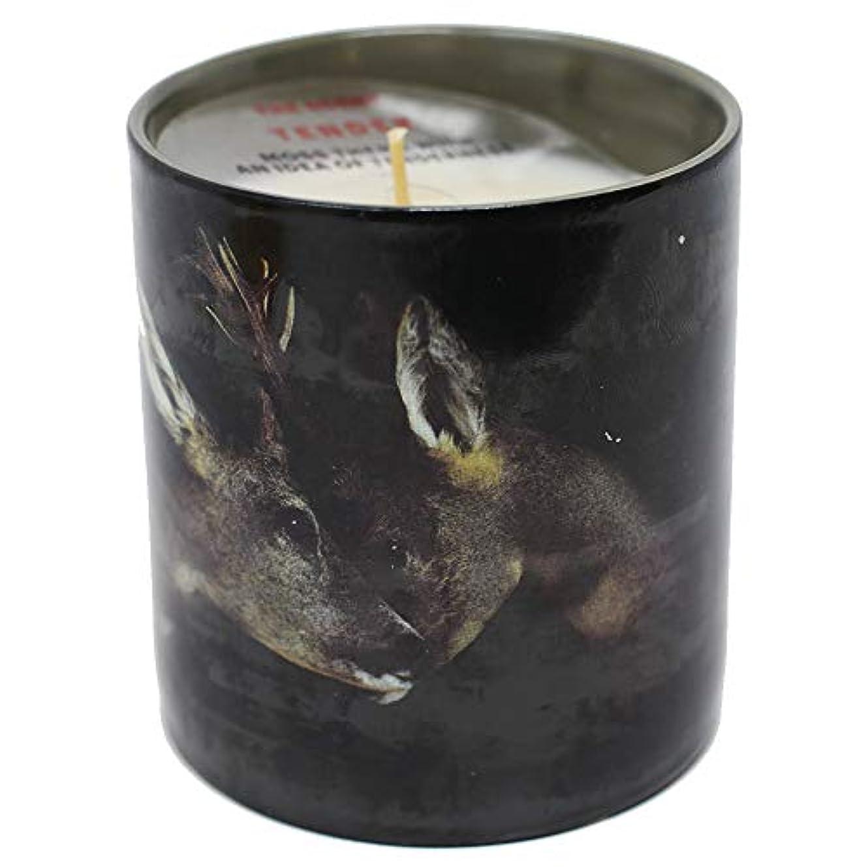 相談する大佐アストロラーベDeers Scented Candle – Maurizio Cattelan – Toilet Paper