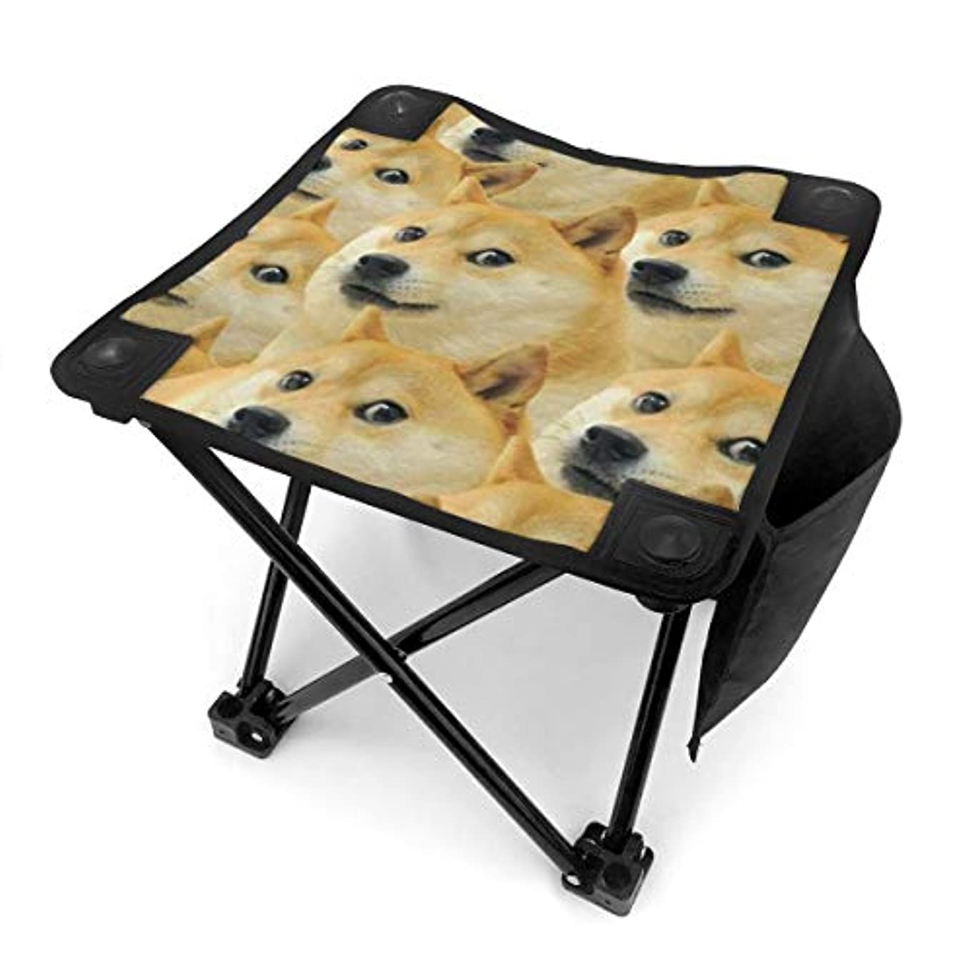 けん引教義デッドロック秋田犬 キャンプ用折りたたみスツール アウトドアチェア 折りたたみ コンパクト椅子 折りたたみスツール 小型スツール 収納袋付き 持ち運びが簡単 耐荷重100kg
