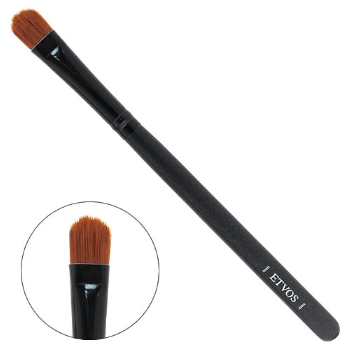 お勧め検査官マイルETVOS(エトヴォス) アイシャドーブラシ 平らで毛先を丸カット/アイシャドウ用化粧筆 重ね塗り対応 14cm