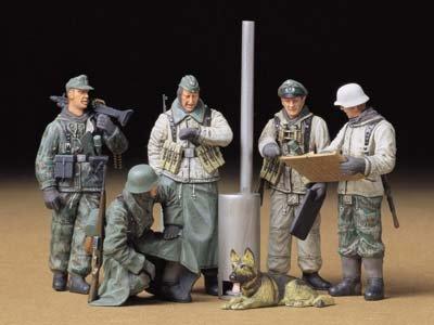 1/35 ミリタリーミニチュアシリーズ ドイツ歩兵 野戦会議