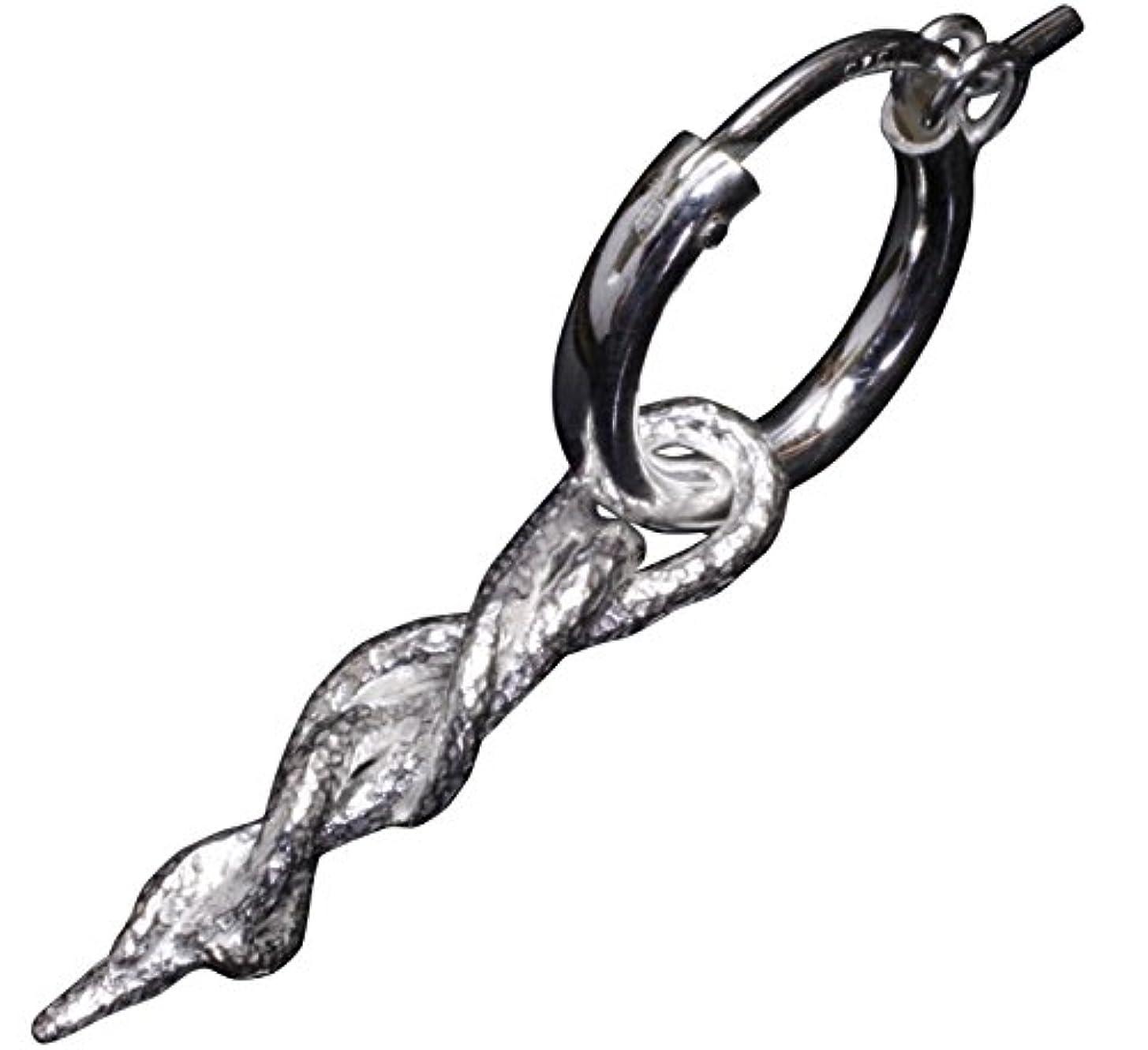 減衰将来のモデレータ龍頭 蔦ピアス 1ヶ シルバー 銀 伝統技法 和柄 和風
