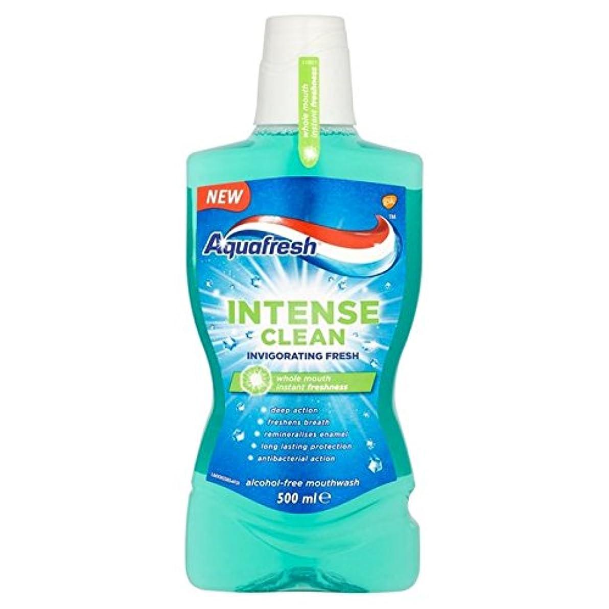 扱いやすい圧倒するスマッシュアクアフレッシュ強烈なきれいな爽快ウォッシュ500ミリリットル x4 - Aquafresh Intense Clean Invigorating Wash 500ml (Pack of 4) [並行輸入品]