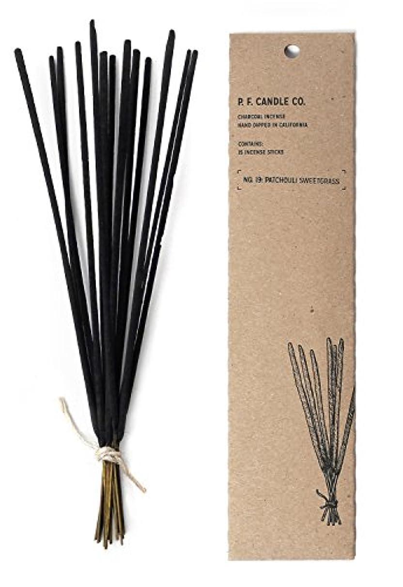 原油オール擁するp.f. Candle Co。 – No。19 : Patchouli Sweetgrass Incense 2-Pack