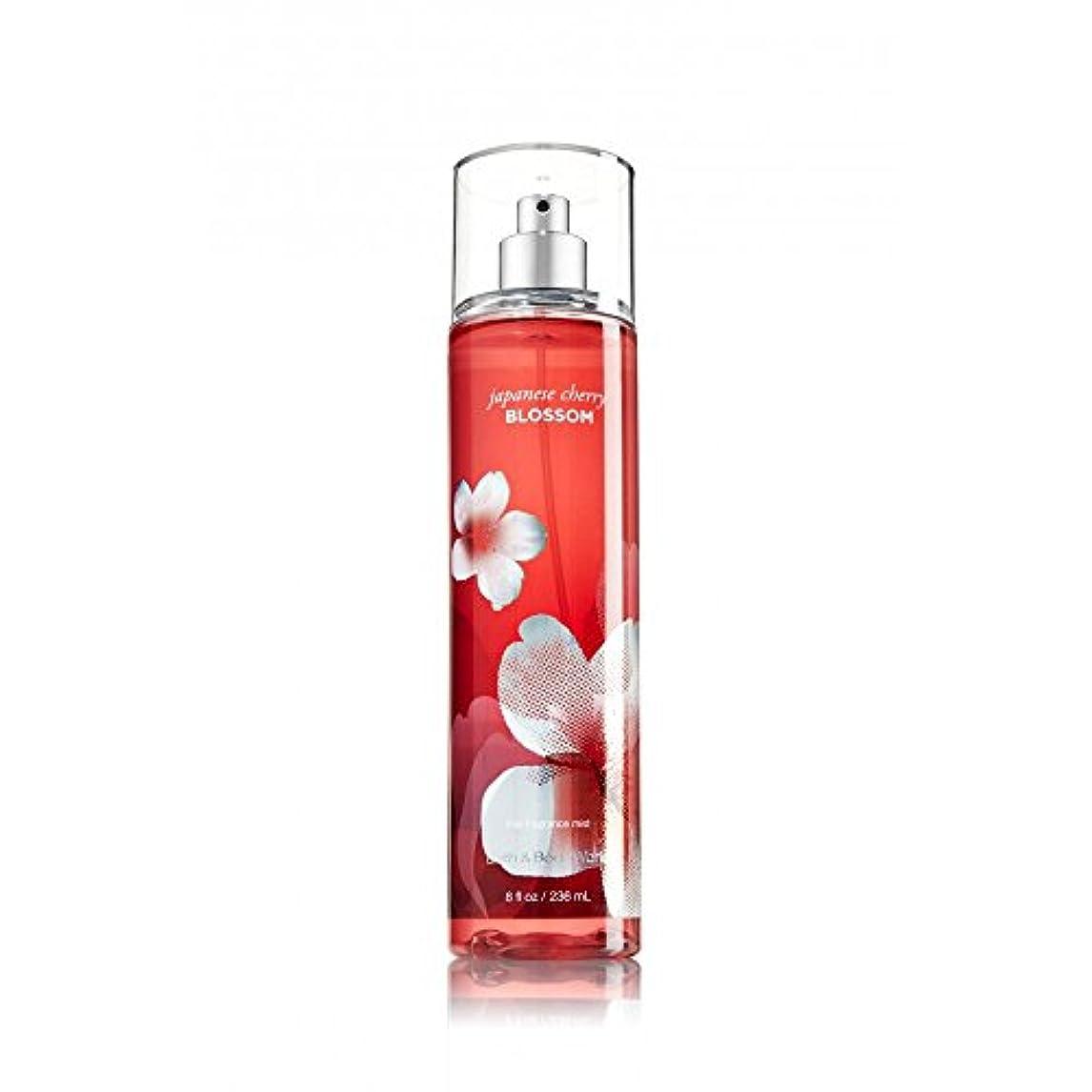 カセット気分ペフBath & Body Works 女性ファインフレグランスミストのための日本の桜、8オンス