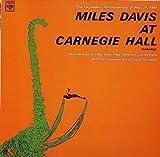 アット・カーネギー・ホール / マイルス・デイヴィス, ハンク・モブレイ, ギル・エヴァンス・オーケストラ, ウィントン・ケリー, ポール・チェンバース, ジミー・コブ (演奏) (CD - 2001)