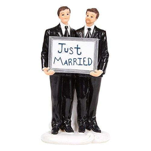 ウェディングケーキトッパー???GayペアFigurines Holding Just Marriedボード???Fun Wedding Couple Figures forデコレーションとギフト-3.25?X 6.25?X 3インチ