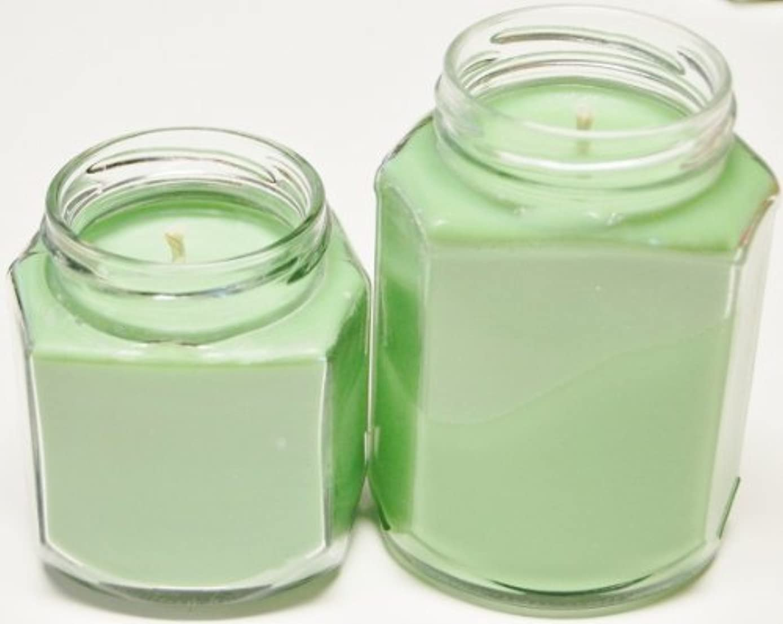 葉を集めるドロー比喩8 oz & 12 oz Oval Hex Soy Candle – Scotch Pine