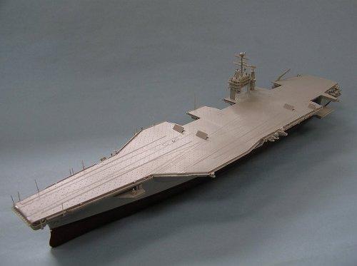 ピットロード 1/700 米国海軍 原子力空母 ニミッツ級 CVN-72 A・リンカーン