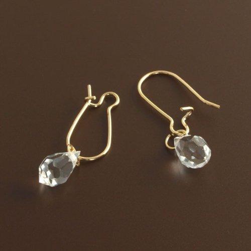 水晶 使用 上品な輝きで エレガント 演出 フープ ピアス(ゴールド 両耳)
