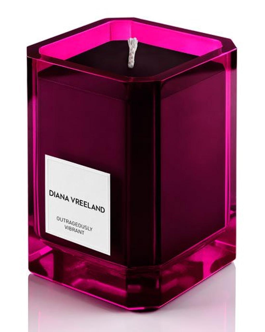 打ち上げる大陸均等にDiana Vreeland Outrageously Vibrant(ダイアナ ヴリーランド アウトレイジャスリー ヴィブラント)9.7 oz (291ml) Candle(香り付きキャンドル)