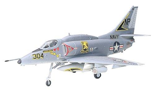 タミヤ 1/72 ウォーバードコレクション No.29 アメリカ海軍 ダグラス A-4E/F スカイホーク プラモデル 60729