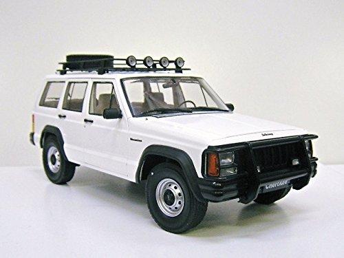 クライスラー特注 1/18 ジープ チェロキー (ホワイト) Jeep