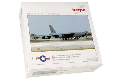 """1:200 ヘルパ ウィングス 554992 ボーイング B-52G Stratofortress ダイキャスト モデル USAF 379th BW, #57-6492 """"Old Crow エクスプレ"""