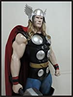 Mighty Thor God of ThunderクラシックLifeサイズスーパーヒーロー像Prop