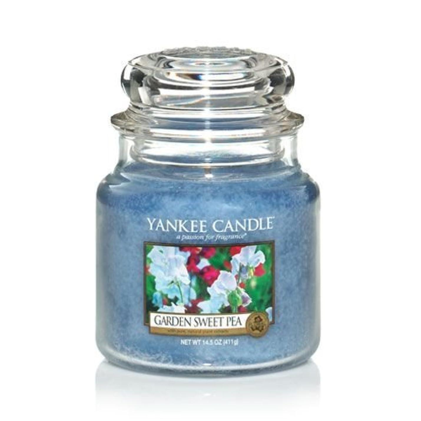 馬力蛾流体Yankee Candle 14.5 Oz Jar Candle Garden Sweet Pea by Yankee Candle [並行輸入品]