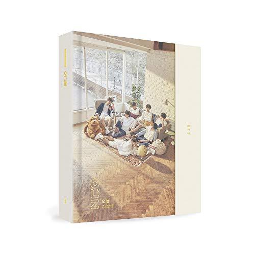 防弾少年団 - 2018 BTS EXHIBITION BOOK Photobook+7Photos+Sticker [KPOP MARKET特典: 追加特典フォトカー...