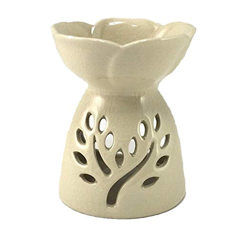 強制解釈する真珠のようなアロマポット ツリー模様スリット 陶器アロマバーナー