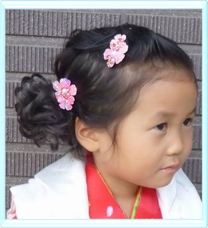 スウィートキス 和柄 重ね桜 パッチンどめ セット 赤・サーモン 七五三 髪飾り かみかざり 3歳 浴衣 かみかざり 髪飾り 着物