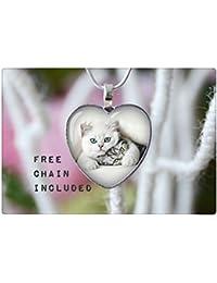ハート形の猫のネックレス。ロマンチックなギフトのペンダント。無料マッチングチェーンが含まれています。
