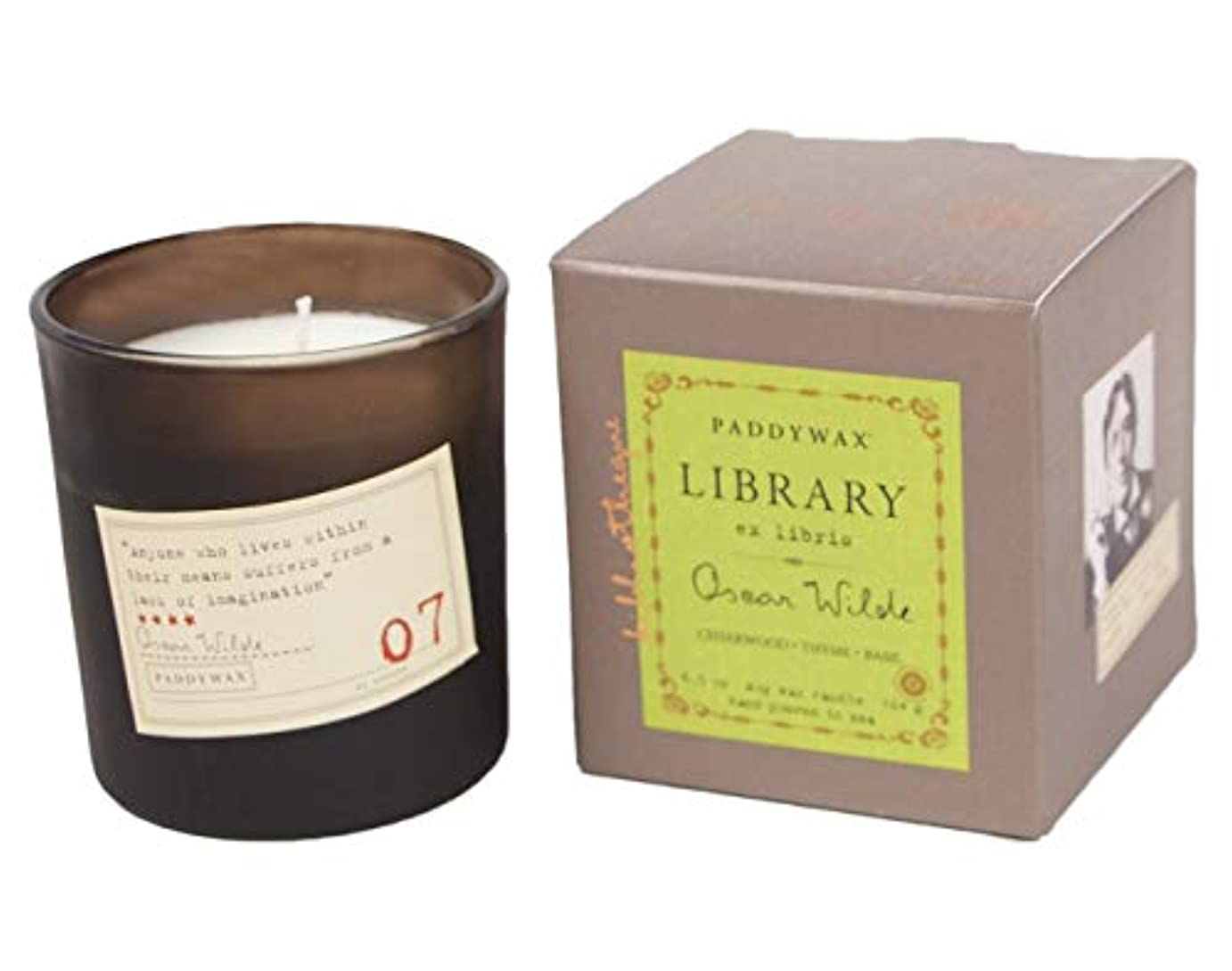 甘くする大通り異常なPaddywax Library Collection Oscar Wilde 190ml Glass Candle, Cedarwood, Thyme, Basil