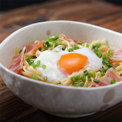 まぜ麺 長崎県 コシのある手延べ細うどんにラー油とごま油が香る特製ピリ辛タレをからめた新感覚うどん