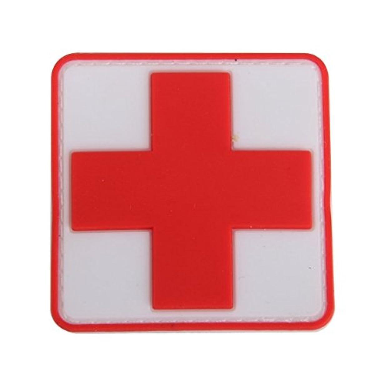 デクリメント安価な太字SODIAL アウトドア 応急処置PVCレッドクロスフック フックバッジパッチ