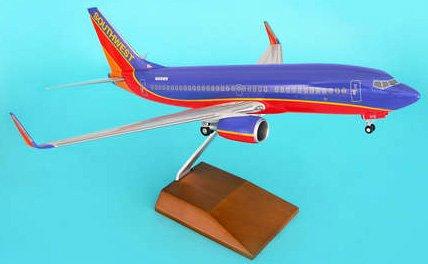 1: 100 スカイマークスSuprem Southwest 航空 ボーイング 737-700 with Landing Gear and Wood Stand (並行輸入)