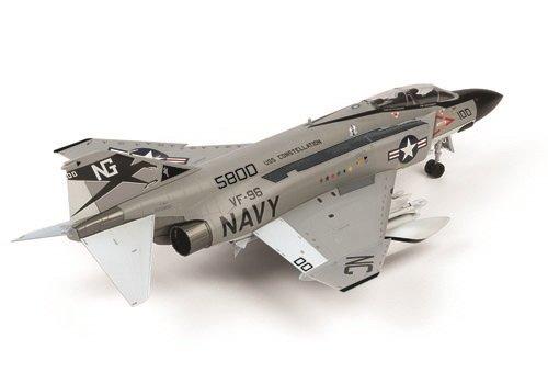 童友社 1/72 凄!プラモデル アメリカ海軍 F-4JファントムII ショータイム100 色分け済みプラモデル 72-F4J-4500