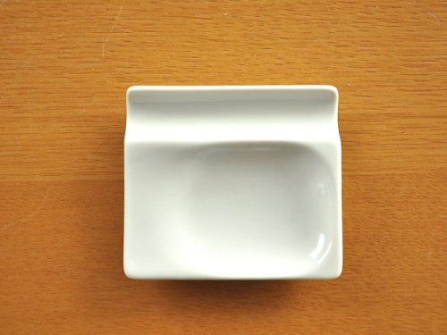 和食器 選べる6カラー!小皿にもなるカトラリーレスト<ホワイトレベル2>