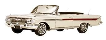 SunStar 1/18 シボレー インパラ オープン 1961 ホワイト