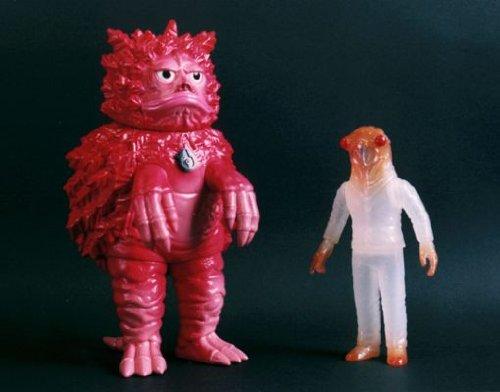 怪獣郷 隕石怪獣 ガラモン(逆襲版) & 宇宙怪人 セミ人間 (ミドルサイズ/ホワイト) 「ウルトラQ」より