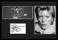 10種類! デヴィッド・ボウイ/David Bowie /サインプリント&証明書付きフレーム/BW/モノクロ/ディスプレイ/3W (08) [並行輸入品]