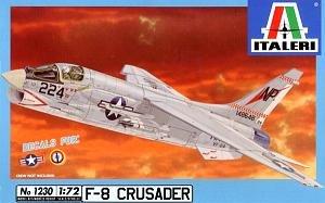 イタレリ 1230 1/72 F-8Eクルセーダー