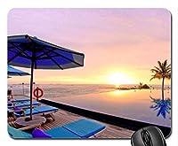 日没時のビーチのインフィニティプールマウスパッド、マウスパッド(Sunsets Mouse Pad)