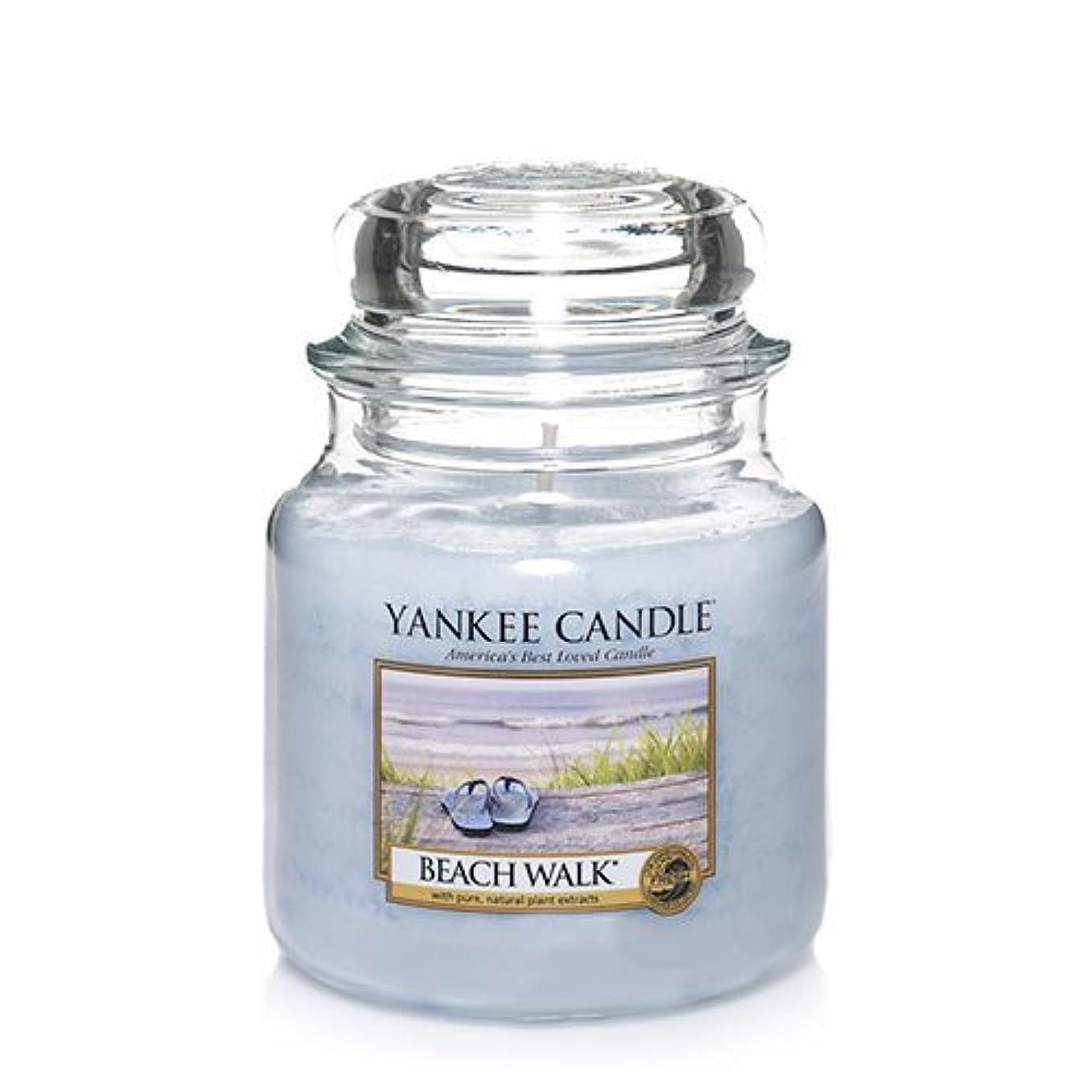 ラップトップピグマリオンすなわちYankee CandleビーチウォークMedium Jar Candle、新鮮な香り