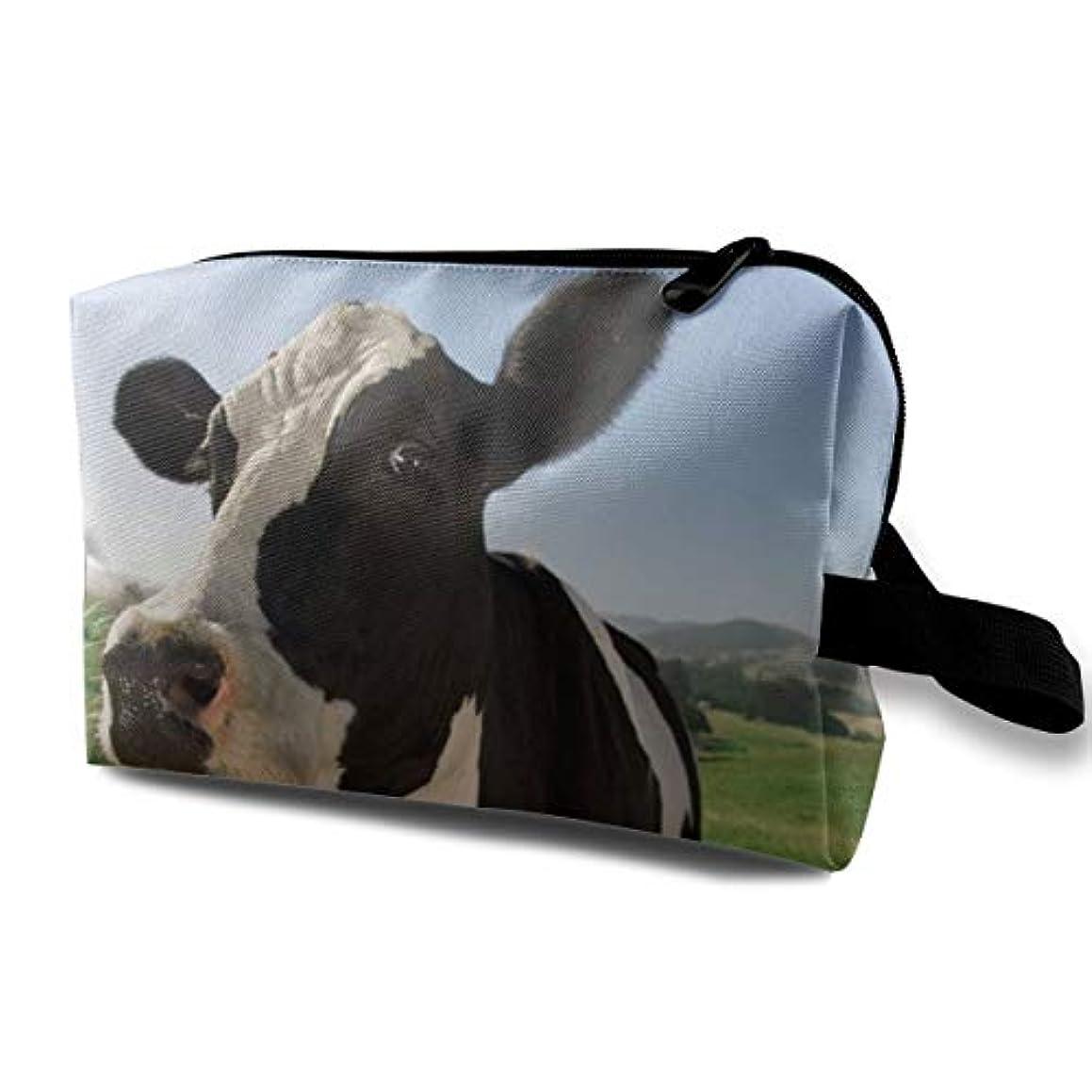 変化する原子肺Lovely Milk Cow 収納ポーチ 化粧ポーチ 大容量 軽量 耐久性 ハンドル付持ち運び便利。入れ 自宅?出張?旅行?アウトドア撮影などに対応。メンズ レディース トラベルグッズ
