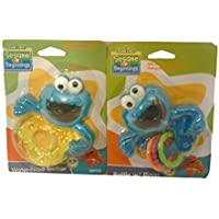 Greenbriar 2パックSesame Street Beginnings Baby Cookie Monster Rattle & water-filled Teether (0 – 18 MOS)