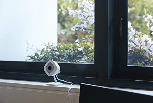 『【Works with Alexa】 Arlo ネットワークカメラ 屋内用 音声通話 無料クラウド どこからでも見れる Arlo Q VMC3040-100JPS』の1枚目の画像