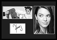 10種類! ケンダル・ジェンナー/Kendall Jenner/サインプリント&証明書付きフレーム/BW/モノクロ/ディスプレイ/3W (04) [並行輸入品]