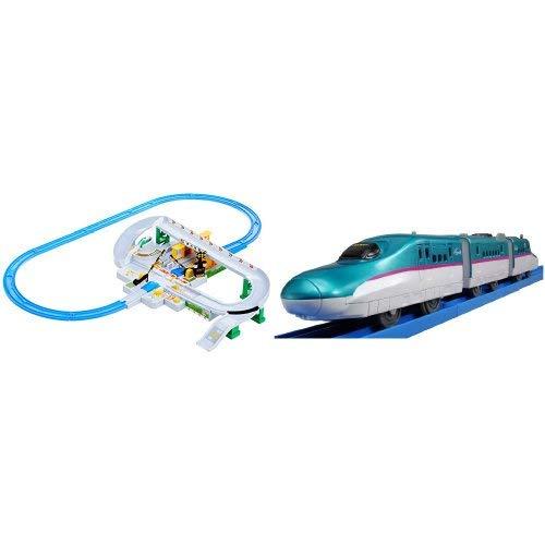 プラレール トミカと遊ぼう! くるぞわたるぞ! カンカン踏切セットとプラレール S-03 E5系新幹線はやぶさ (連結仕様)のセット
