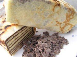 これってミルクレープ? 300℃のおいしさ!パケ( PAQUET) アイスもお勧め チョコレートケーキ