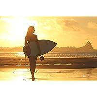 ラミネート35x 24インチポスター: Beach Clouds Dawn Girl海洋レクリエーションSand Sea SeashoreシルエットSummer Sun SunlightサンセットサーファーサーフボードSurf Surfer Girl Walking Woman