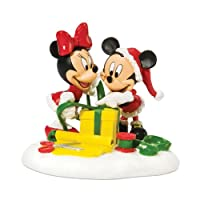 Department 56村Disney Mickey and Minnie Wrapping GiftsアクセサリーFigurine