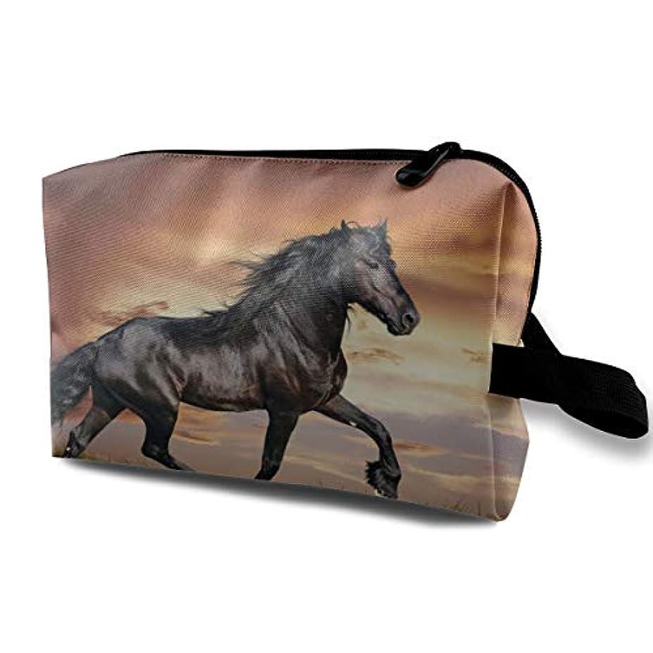 近似複雑二度Arabian Horse 収納ポーチ 化粧ポーチ 大容量 軽量 耐久性 ハンドル付持ち運び便利。入れ 自宅?出張?旅行?アウトドア撮影などに対応。メンズ レディース トラベルグッズ
