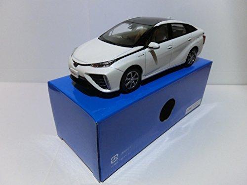 トヨタ 1/30 オフィシャルミニカー ミライ MIRAI カラーサンプル ツートンホワイトパールクリスタルシャイン 2NL