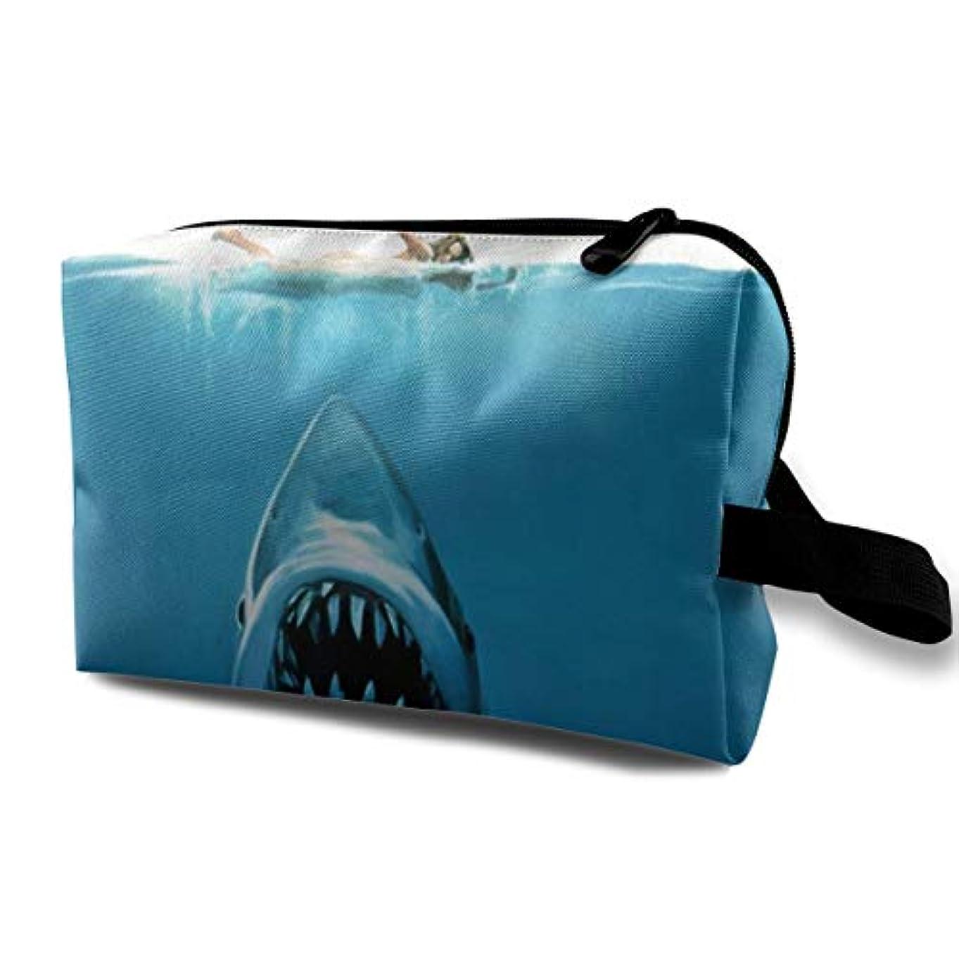 練習参加する非アクティブHidden Risk Jaw White Shark 収納ポーチ 化粧ポーチ 大容量 軽量 耐久性 ハンドル付持ち運び便利。入れ 自宅?出張?旅行?アウトドア撮影などに対応。メンズ レディース トラベルグッズ