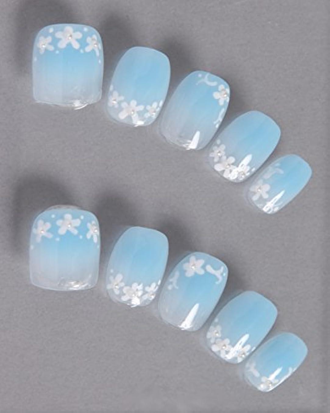 上へ服を着る一般的にゆずネイル|ネイルチップ 薄ブルー 花 シンプル ガーリー(A10026-Q-CGS)