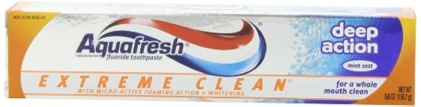 扇動つまずく喉が渇いたAqua Fresh マイクロアクティブ発泡作用を有するアクアフレッシュエクストリームクリーンホワイトニングそしてディープアクション、ミントゼスト、5.6 -Ounceチューブ(6パック)